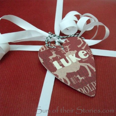 Wooden Gift Tag - http://www.sumoftheirstories.com/2015/11/wooden-christmas-gift-tags.html