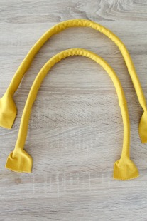 How to Make Corded Handles for bags - by Petro at theseamanmon - http://theseamanmom.com/how-to-make-corded-handles/