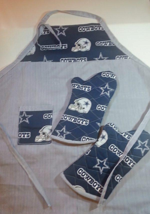 Tail gate apron