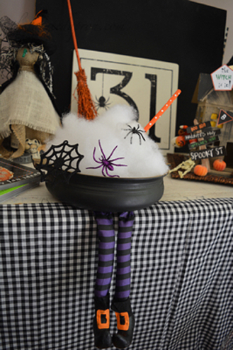 The Painted Apron - Halloween Tablescapes: https://thepaintedapron.com/2016/09/29/tablescapes-the-witch-is-in