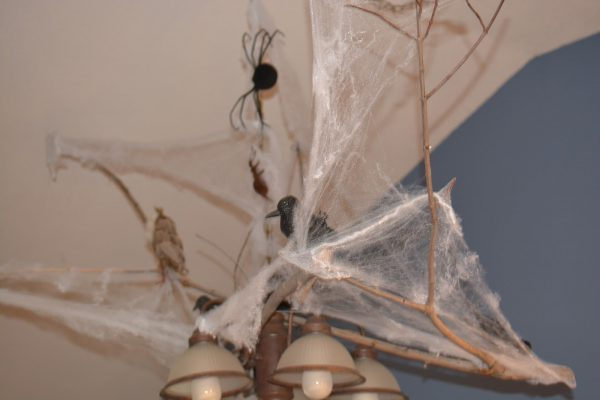 Over the top Chandelier by Dragonflies and Thistles - http://dragonfliesandthistles.blogspot.com/2016/10/over-top-halloween-chandelier.html