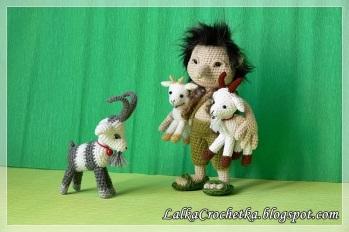 Lalka Crochetka - Three goats and a Troll:http://lalkacrochetka.blogspot.com/2016/10/the-three-billy-goats-gruff-and-troll.html