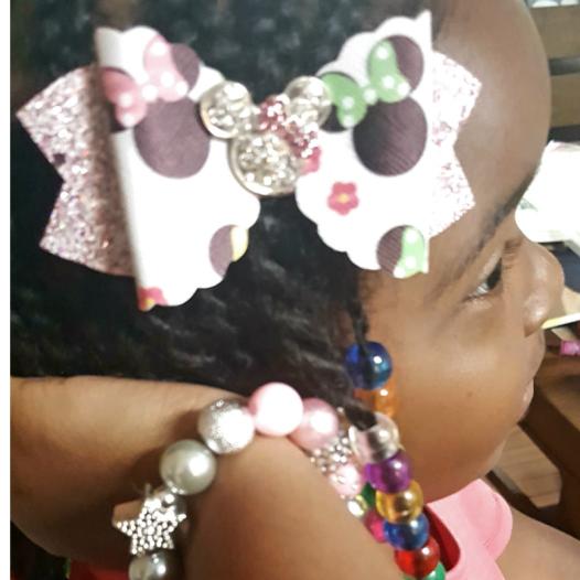 hair bow cover girl