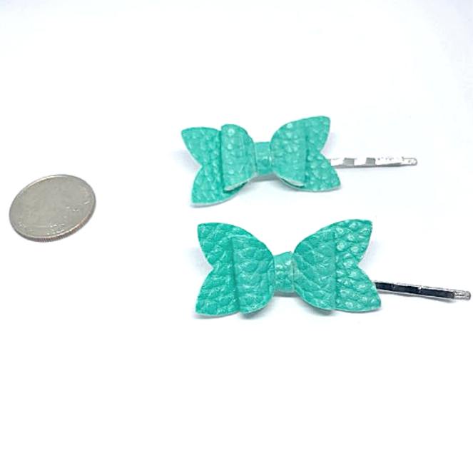 turquoise hairclip
